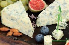 Эксперт по здоровому питанию Амидор раскрыла опасность сыра для гипертоников