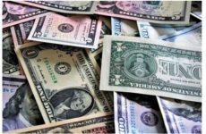 Курсу доллара предрекли обвал к концу апреля