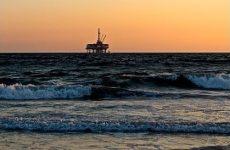 Аналитики связали рост цен на нефть с массовой вакцинацией